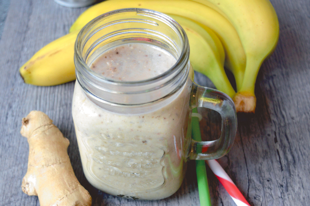 Banánové smoothie se zázvorem a ovesnými vločkami
