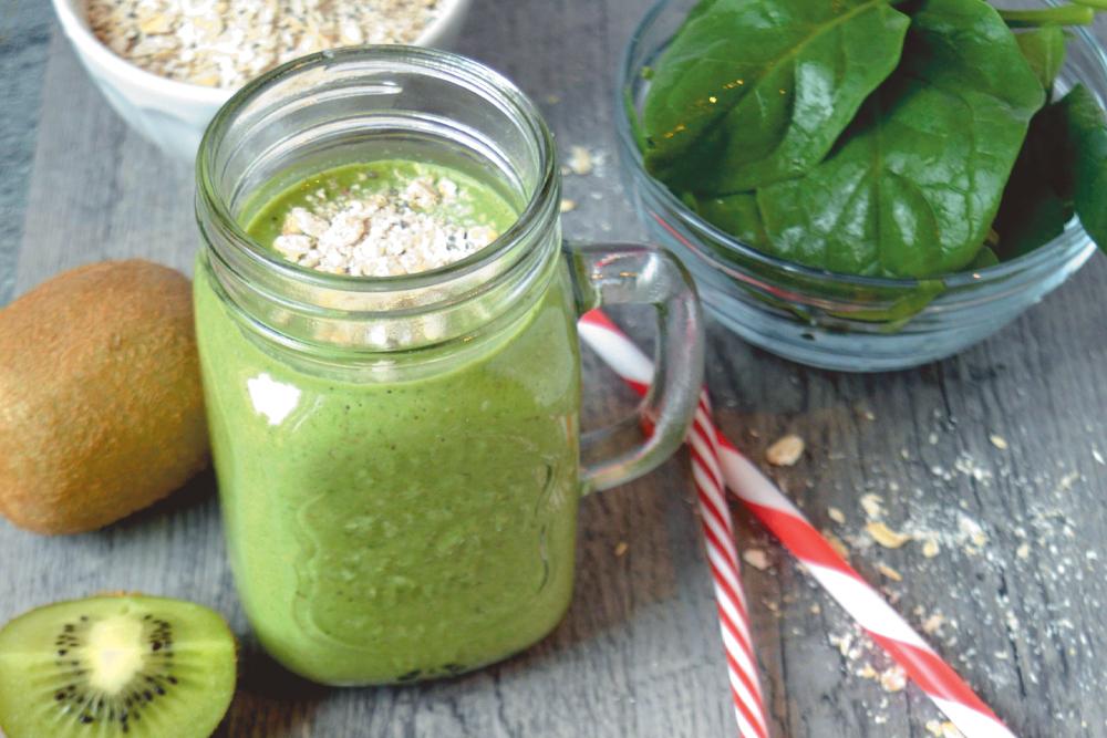 Zelené smoothie se špenátem a ovesnými vločkami
